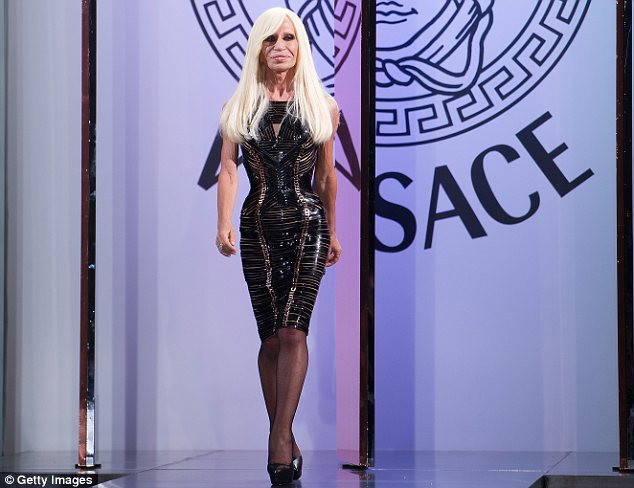 donatella-versace-feels-like-her-sisters-replacement